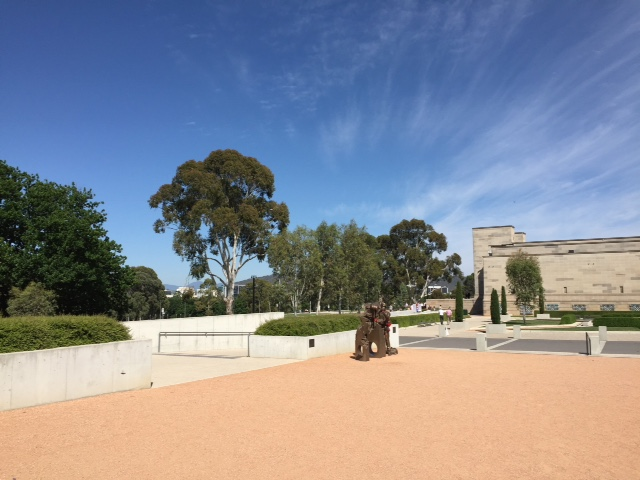 Visit to canberra a symphony in five monuments day 1 rick and the entrance to the memorial is watched over by two stone lions which originally formed part of the menin gate in ypres i recently wrote about our visit freerunsca Image collections